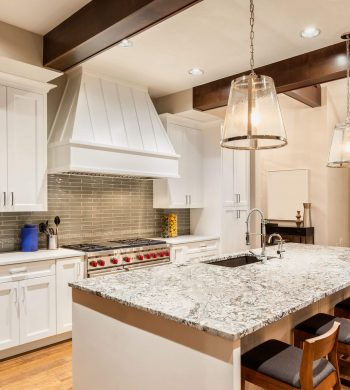 Contemporary-Kitchen-Image-002