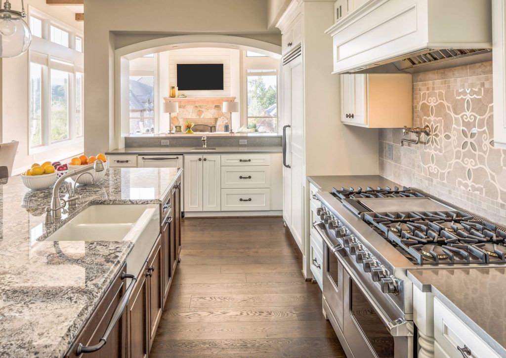 Contemporary-Kitchen-Image-003