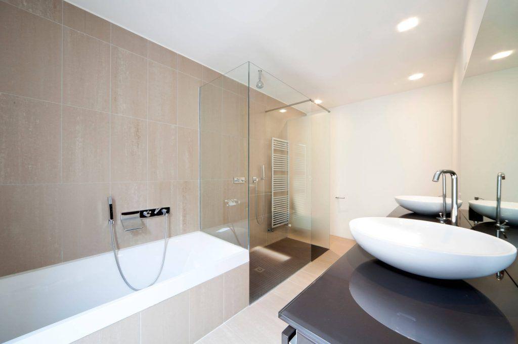 Modern-Bathroom-Image-005