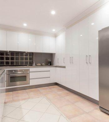 Modern-Kitchen-Image-002